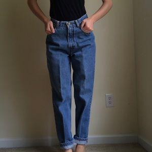 Vintage Mom jeans. High waisted. Light wash denim.